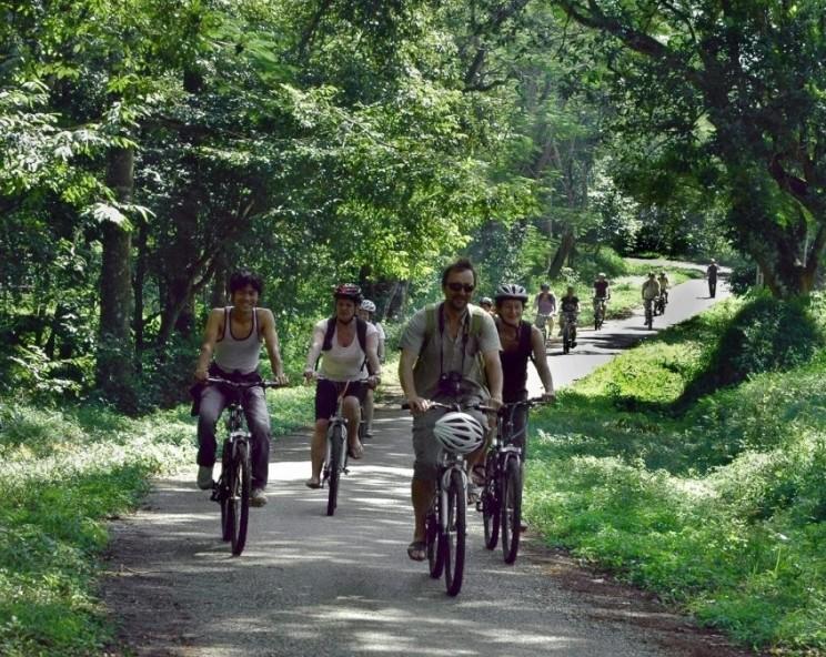 Tour tìm hiểu làng quê bằng xe đạp